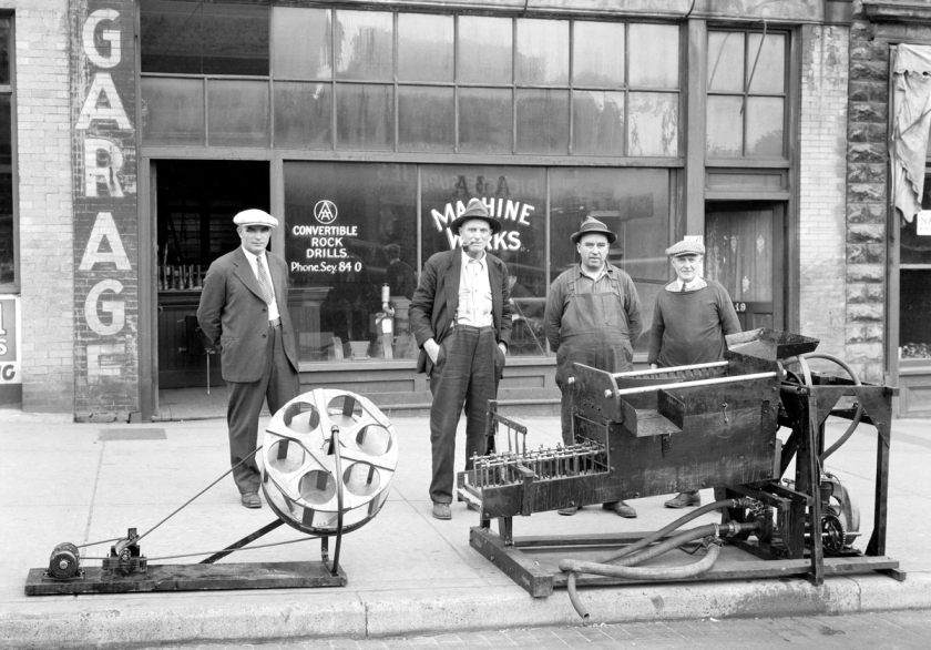 A and A Machine Works Gold Rocker for Cariboo District_1932