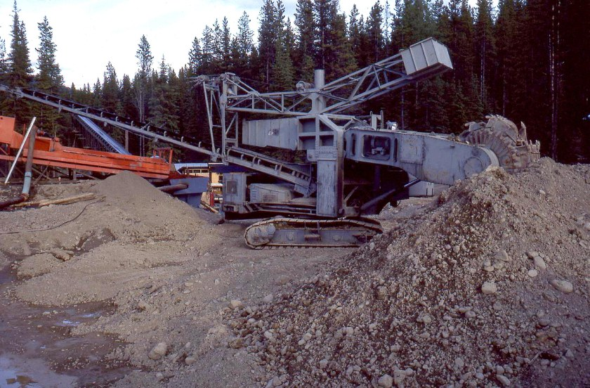 Bucket loader - 8 Mile Lake-2A